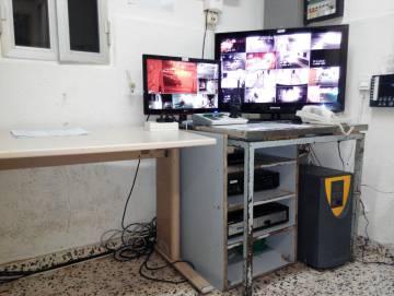Instalaciones de la sala de vigilancia del Centro de Internamiento de Extranjeros de Algeciras.