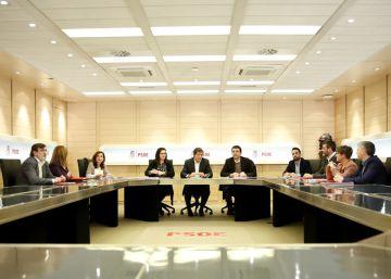 La gestora del PSOE cumple 100 días con logros políticos y sin candidatos