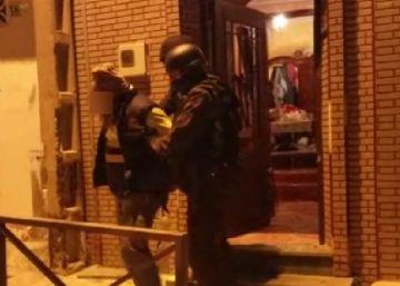 Hallado un subfusil durante una operación contra el terrorismo en Ceuta