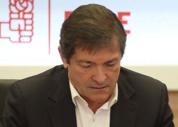 """Javier Fernández defiende que el PSOE se abstuvo """"por lealtad a España"""" y pide """"unidad"""""""