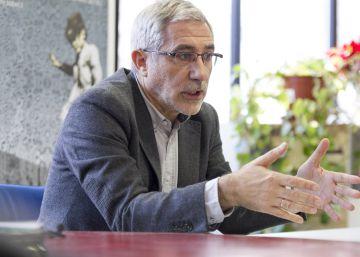 """Llamazares: """"La dirección de IU niega la historia para diluirse en Podemos"""""""
