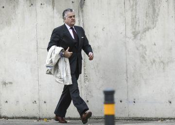 Former PP treasurer admits party had secret accounts