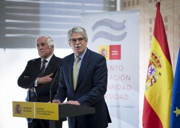 Exteriores deja el más prestigioso 'think tank' catalán por su giro soberanista