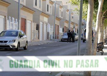 El detenido por haber matado a su expareja en Almería tenía una orden de busca y captura desde julio