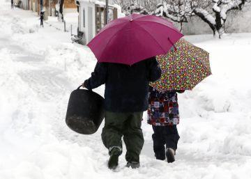 Más de 30.000 valencianos se quedan sin luz por incidencias por el temporal de nieve