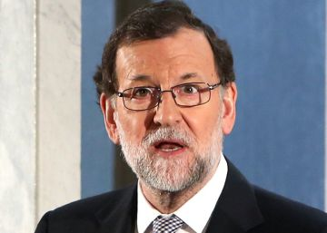 Rajoy desprecia a Puigdemont por el plantón europeo y halaga a Fernández