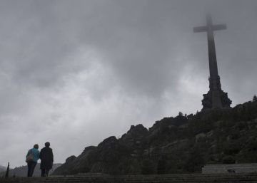 Spain's Socialists ask for Franco's body to be moved from Valley of the Fallen