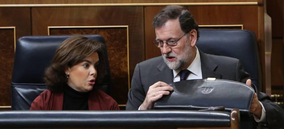 Mariano Rajoy y Soraya Sáenz de Santamaría, en el Congreso.