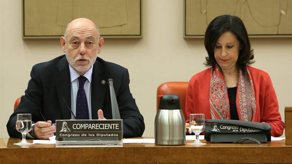 El fiscal General del Estado, José Manuel Maza junto a Margarita Robles.