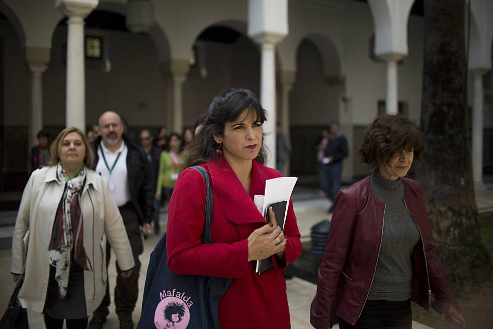 La líder de Podemos Andalucía, Teresa Rodríguez, en el Parlamento andaluz.