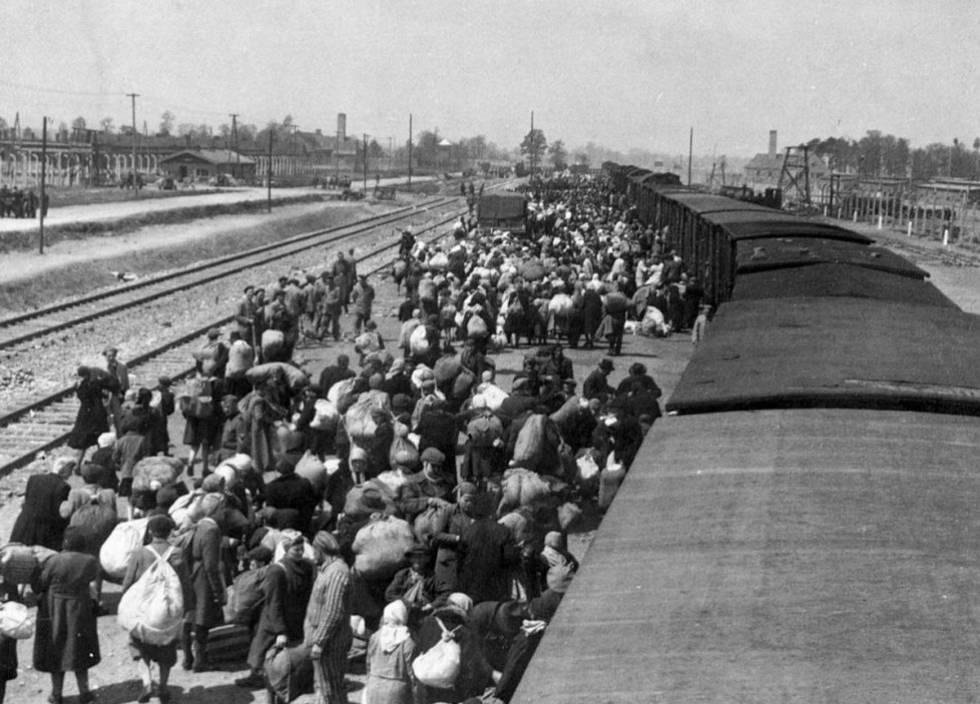 Panorámica de la plataforma de llegada a Birkenau, que formaba parte del complejo de Auschwitz.