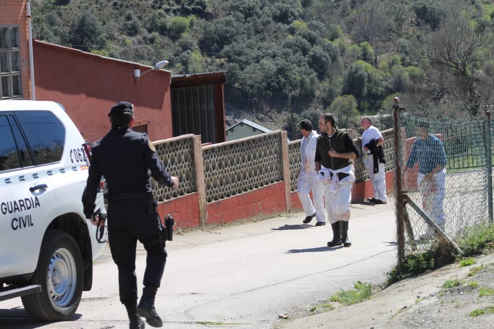 Registro el pasado martes de la Guardia Civil en el matadero de Toreno (León).