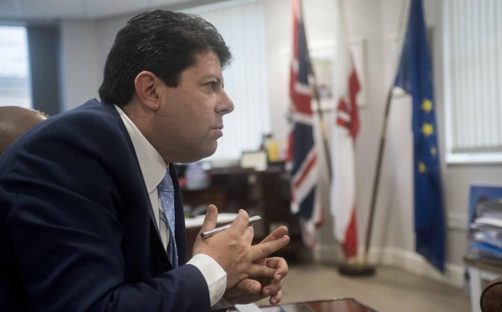 Fabian Picardo, el pasado jueves en su despacho en Gibraltar, durante la entrevista.