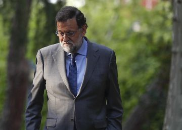 Spanish PM Rajoy on the ropes as wave of corruption scandals hit ruling party