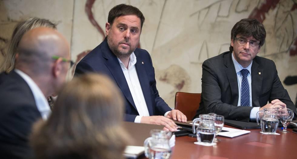 El vicepresidente catalan, Oriol Junqueras y el presidente catalan, Carles Puigdemont.