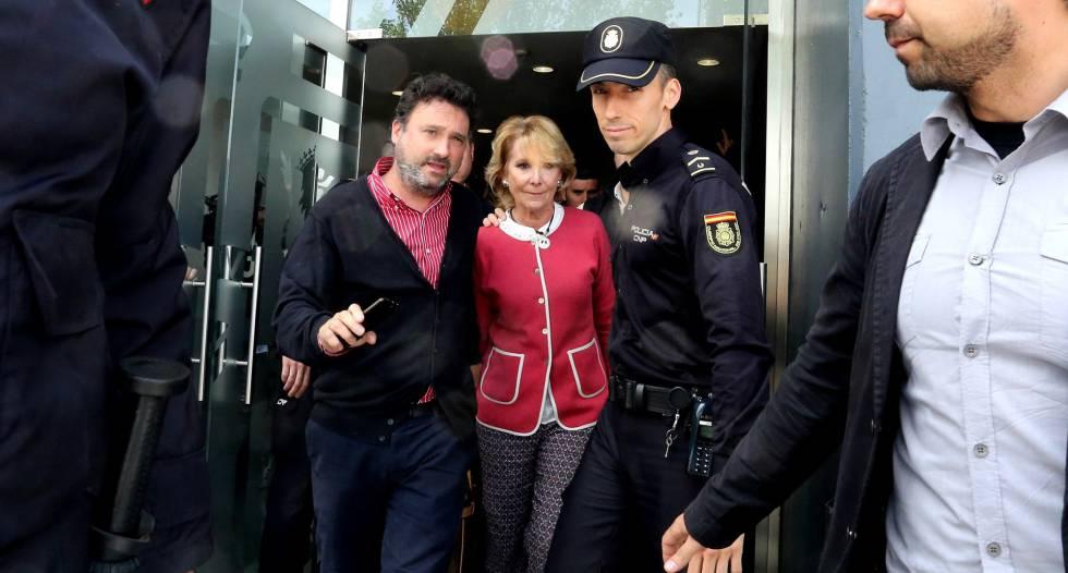 Esperanza Aguirre tras su declaración en la Audiencia Nacional.rn