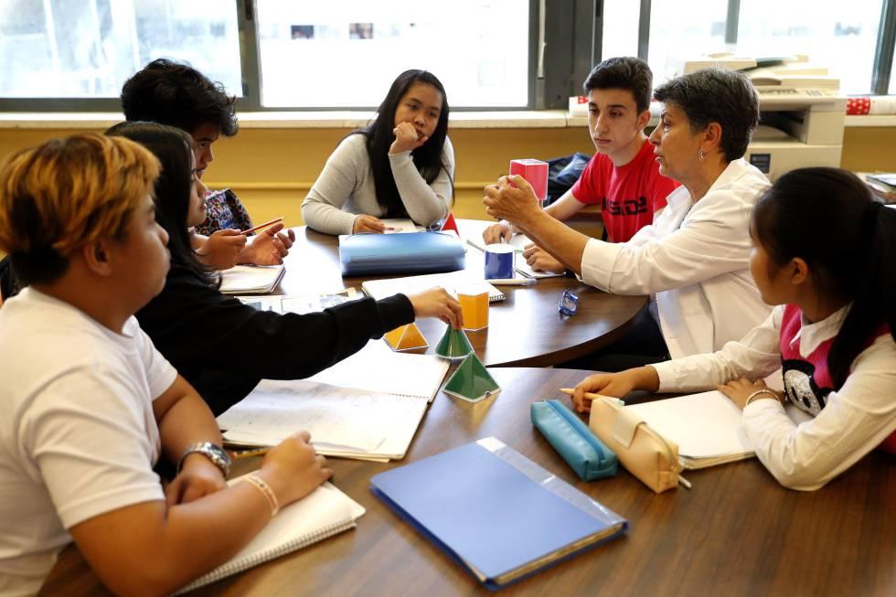 Aula de enlace del Padre Piquer, donde los alumnos recién llegados a España aprenden castellano.