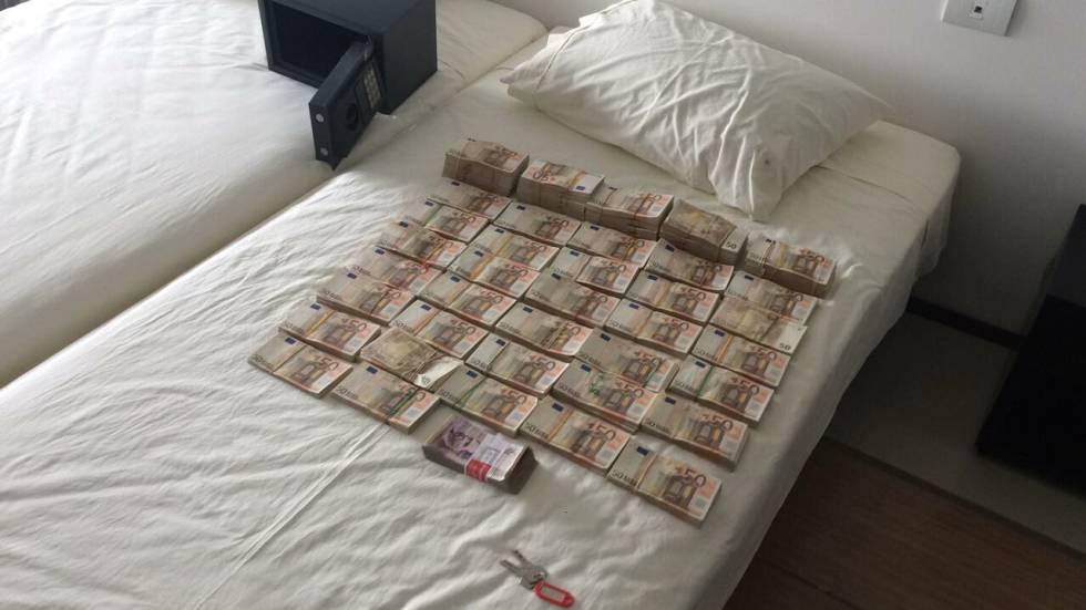 El dinero que apareció en la caja fuerte de Rodríguez Sobrino.