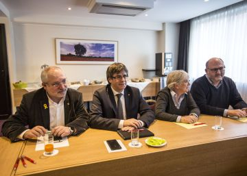Secessionists urge ousted Catalan leader to accept a symbolic premiership