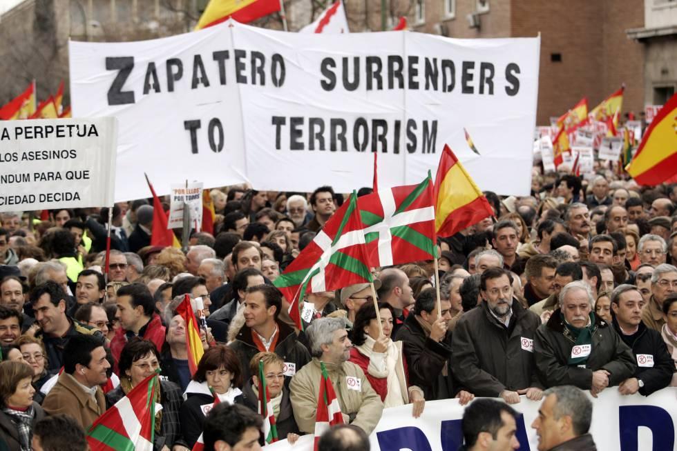 Moncloa no desautoriza a Zapatero pese a desconocer su encuentro con Otegi