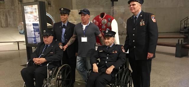 John Feal, jefe de los 'first responders', con otros damnificados.