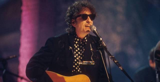 Bob Dylan, durante una actuación en 1994.
