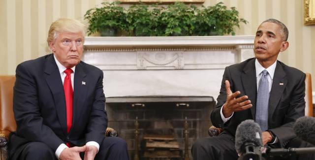 Barack Obama y Donald Trump se reúnen en el despacho Oval de la Casa Blanca.