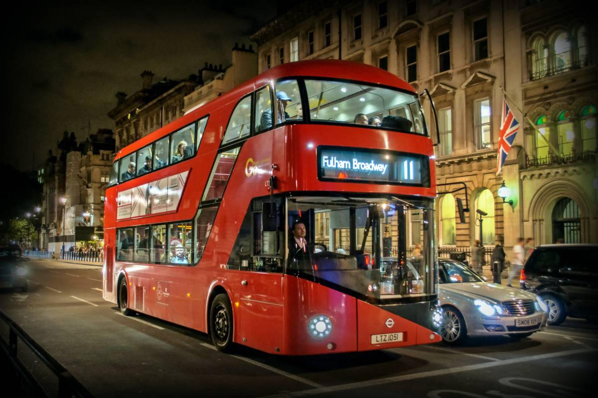 Tres rutas turísticas en transporte público