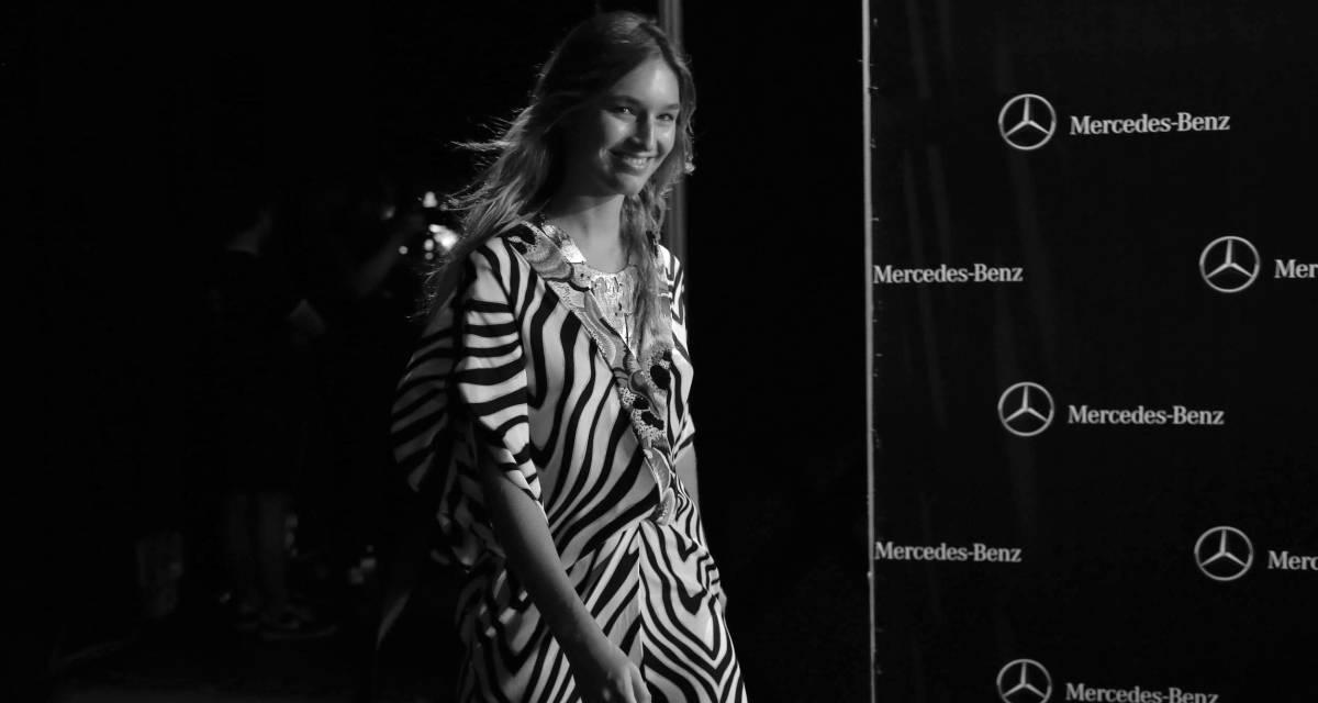 Modelo en el 'backstage' de la Mercedes-Benz Fashion Week Madrid, en septiembre de 2016.
