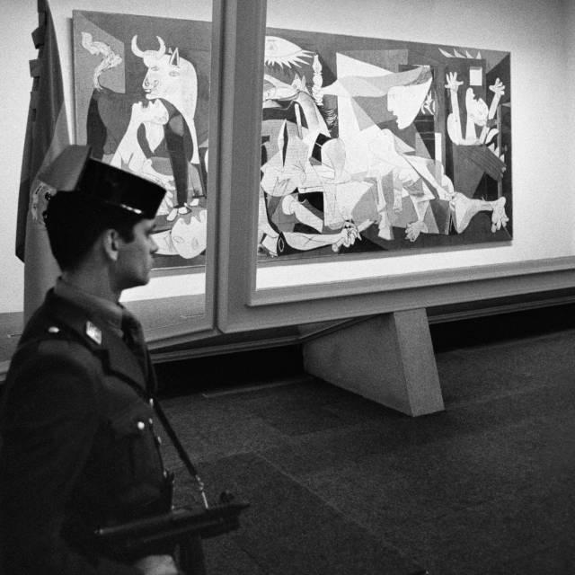 El 'Guernica' tras su regreso a España.