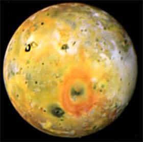 Imagen tomada por la sonda Galileo de la luna de Júpiter Io, a la que mañana fotografiará por última vez.