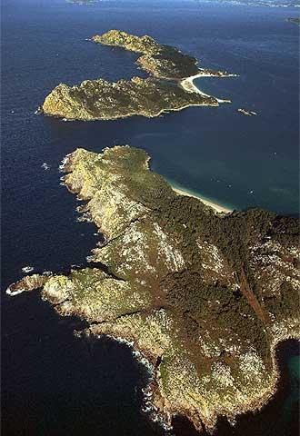 Vista aérea de las islas Cíes, en la entrada de la ría de Vigo.