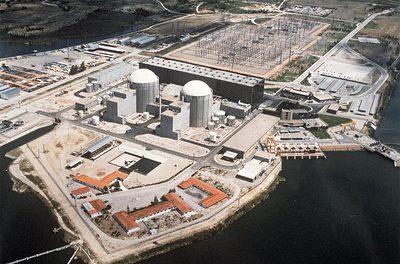 La central nuclear de Almaraz desde el aire, en una imagen de 1990.