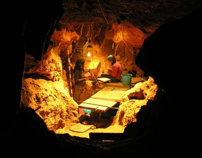 Cueva de El Sidrón, en Asturias, donde se han encontrado unos 1.800 fragmentos de huesos de neandertales de hace 49.000 años.