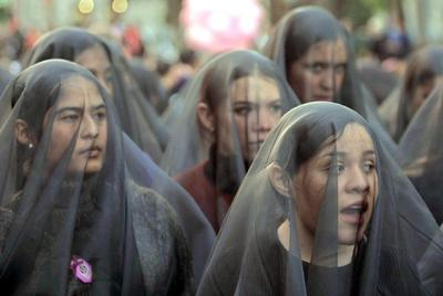 Manifestación en Ciudad de México en protesta por la violencia contra las mujeres en 2002.