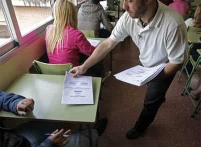 Examen de 3º de ESO en el instituto La Estrella de Madrid.
