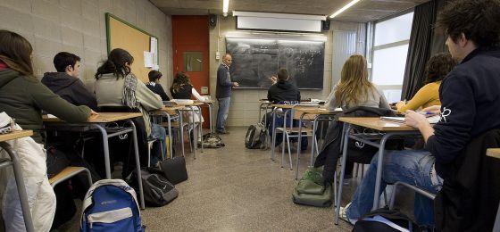 Un centro educativo del barrio barcelonés de El Carmel.
