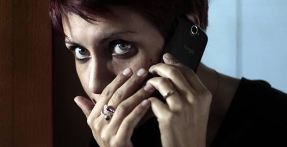 Los troyanos, una vez instalados en el móvil, son capaces de interceptar los SMS y realizar transferencias ilegales de dinero.