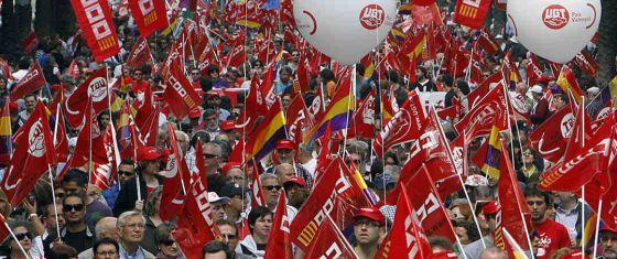Trabajadores, en las celebraciones del Primero de Mayo en Valencia.