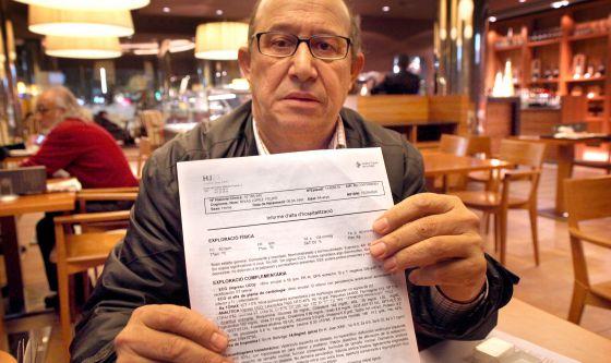 Felipe Rivas muestra su parte médico.