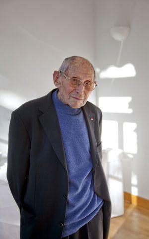 A sus 101 años, da charlas para que no se olvide el Holocausto.