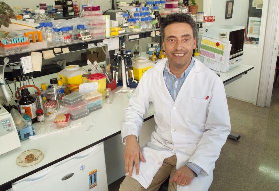 Carlos Martín lleva casi 20 años de trabajo invertidos en la vacuna.