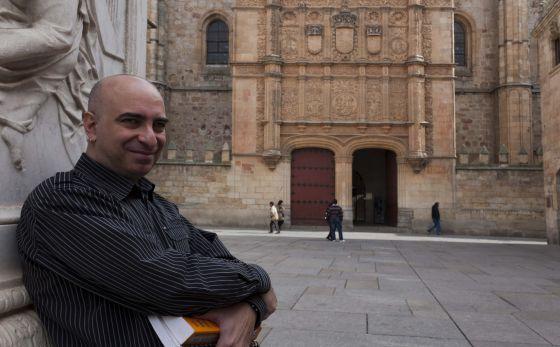 Ángel Martínez, de 45 años, estudia en la Universidad de Salamanca.