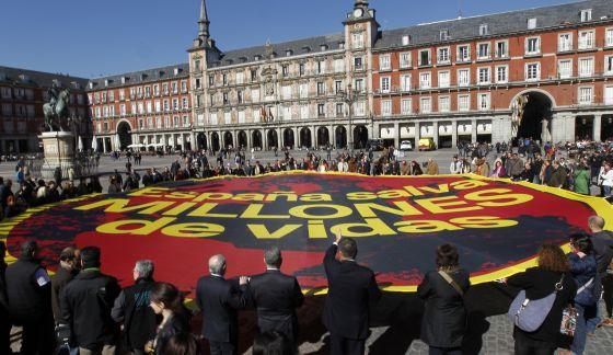 Miembros de ONG reunidos en Madrid con motivo de la reciente visita de Bill Gates.