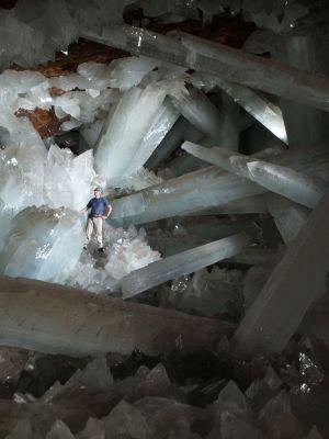 Cristales gigantes en la mina de Naica