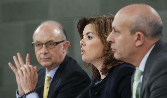 Montoro, Sáenz de Santamaría y Wert, tras el Consejo de Ministros.