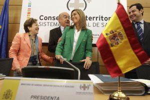La ministra de Sanidad, Ana Mato (en el centro), preside la reunión del Consejo Interterritorial del miércoles.