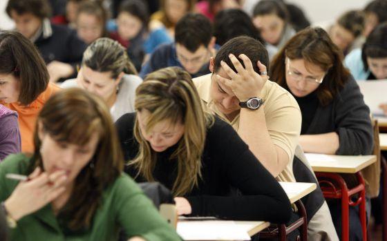 Jornada de examen de alumnos universitarios en Madrid.