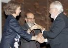 La Reina entrega los premios FAO a Forges y el blog '3.500 millones'
