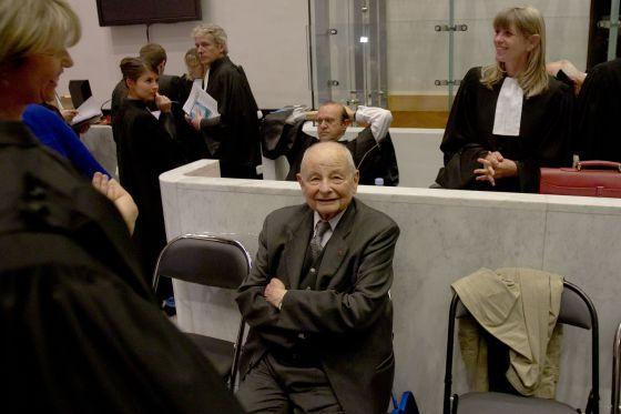 El empresario Jacques Servier en el Tribunal de Nanterre.